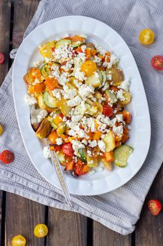 Pumpkin oven vegetables with feta cheese - Photo Stock Zucchini Lasagne, Oven Vegetables, Cordon Bleu, Bruschetta, Vegetable Pizza, Good Food, Food Porn, Food And Drink, Low Carb