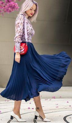 New yellow pleated high waist long women skirt maxi elastic waist spring summer Blue Skirt Outfits, Winter Skirt Outfit, Red Skirts, Pleated Skirt Outfit, Going Out Outfits, Pullover Pullover, Elegant, Clothes For Women, Blue Style