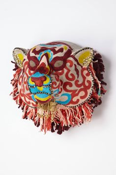 What an amazing piece to have on your bedroom walls Lunar Critter Bust - anthropologie.eu #AnthropologieEU #PinToWin