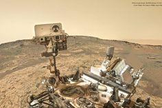 Fotografia tomada por el rover Curiosity de la NASA en Marte el 19 de diciembre de 2015, que muestra su actual emplazamiento en la duna Namib, con el Monte Sharp de fondo.