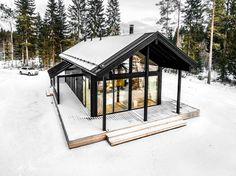 Modern Log Villa in Central Finland / Pluspuu Oy