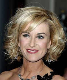 Short-Curly-Hairstyles-for-Women-Over-40.jpg 463×552 pixels