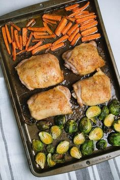 Throw together the easiest chicken thigh sheet pan dinner with this recipe. Plus... \'s even low-carb! Ways To Cook Chicken, Chicken Thigh Recipes, Healthy Eating Habits, Easy Dinner Recipes, Easy Recipes, Dinner Ideas, Chicken Thighs, Sheet Pan, Clean Eating