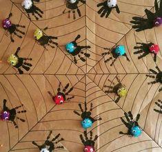 Witzy witzy araña tejió su telaraña, pero ahora reciclada y agrandada para sus hermanas! Manos a la obra, dijeron esa vez! A...