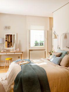 Minimalist Home Interior Inspiring Apartment by Natalia Zubizarreta Interiorismo Pastel Living Room, Living Room Decor, Bedroom Decor, Pale Yellow Bedrooms, Minimalist Home Interior, Design Case, Beautiful Interiors, Cheap Home Decor, Ideal Home
