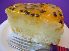 Rute Receitas: BOLO DE MARACUJÁ RECHEADO Food Cakes, Fruit Cakes, Sweet Recipes, Cake Recipes, Passion Fruit Cake, Diabetic Recipes, Vanilla Cake, Sugar Free, Cheesecake