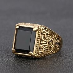 Mens Medieval Gold Ring - Wise Tutorial and Ideas Mens Gold Rings, Rings For Men, Fashion Rings, Fashion Jewelry, Fashion Men, Gold Rings Online, Mens Ring Designs, Gents Ring, Men's Jewelry Rings
