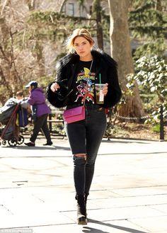 Ashley Benson - 'Pretty Little Liars' style roundup Ashley Benson Style, Pretty Little Liars, Gigi Hadid, Power Rangers, Star Fashion, Her Style, Celebrity Style, Celebs, Street Style