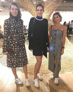 Alerta  tendência: tem substituto forte para os seus Adidas Stan Smith. De acordo com flagras de street style e as três acima @i.wilker @cassiaavila e @julianasantos03 os tênis da vez são baixinhos tipo chuteirinha como esses @onitsukatigerbr vistos agora no desfile do @reinaldolourenco. Ah eles estarão à venda na loja do estilista  via GLAMOUR BRASIL MAGAZINE OFFICIAL INSTAGRAM - Celebrity  Fashion  Haute Couture  Advertising  Culture  Beauty  Editorial Photography  Magazine Covers…