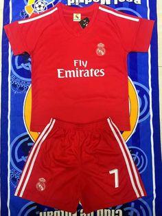 c4781f1c67a 2017 2018 Kids Real Madrid Soccer Jersey Uniforms Red Ronaldo 7 Child  Football Kits Tracksuit Shirt+Short Home Away