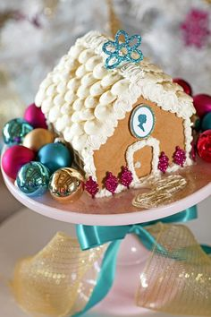 Create Traditional Romantic Christmas Decor >> http://www.diynetwork.com/decorating/how-to-make-traditional-romantic-christmas-decorations/pictures/index.html?soc=pinterest