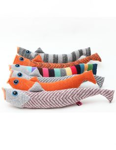 Pattern not for sale ~ will have to figure it out  meetpennylane:Knitted fish by Kate   Jenkins