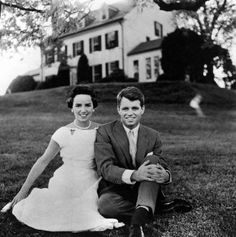 Bobby-Kennedy love the style.
