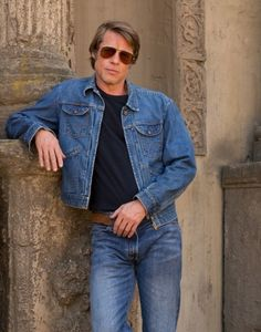 Brad Pitt Once Upon A Time in Hollywood Cliff Booth Jacket Brad Pitty, Brad Pitt News, Film Jackets, Men's Leather Jacket, Jacket Men, In Hollywood, Denim Fashion, Pretty Boys, Cool Style