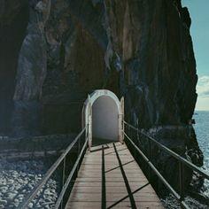 Till havspooler genom berget. Sao martinho, Funchal