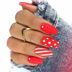 43 Super Cute Nails You Can Totally Do at Home - Nagelkunst Design - Perfect Nails, Gorgeous Nails, Pretty Nails, Holiday Nails, Christmas Nails, Red Nails, Hair And Nails, Super Cute Nails, Polka Dot Nails