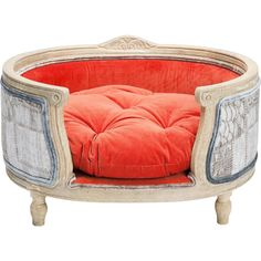 What better way for your beloved pooch to spend their days by the fire than in this beautiful plush velvet dog bed? This perfectly crafted piece is the ultimate in style and comfort for all those dogs who love to sleep their days away. Dreams Beds, Dog Houses, Cat Life, Tub Chair, Old World, Decorative Accessories, Accent Chairs, Plush, Dog Beds