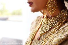 Stunning close ups of jewellery from this bride's wedding photographer - kundan necklance - meenakari work - drop earrings - bridal make up - Indian bridal jewellery - dark win lips #thecrimsonbride