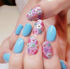 14 Truly Pretty Floral Nail Designs | trends4everyone