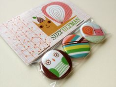 packaging little gifts with your business cards -- genius