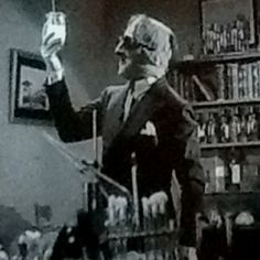 Invisible Man, 1933. I love this movie, when I was a kid I wanted to be invisible...