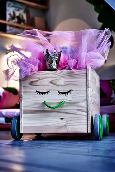 Packing away can make storage boxes happy!