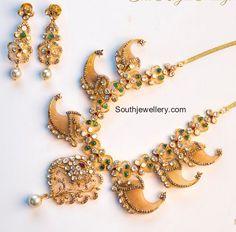 Puligoru Necklace Set