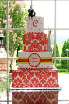 Buttercream iced cake with stenciling