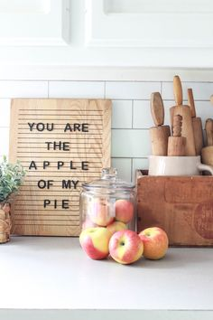 Transition your home from summer to fall decor with these 5 easy steps. These are easy and affordable ways to incorporate fall into your home. Home decor Summer to Fall Decor Transition in 5 Easy Steps - Beauty For Ashes Cute Dorm Rooms, Cool Rooms, Autumn Home, Autumn Summer, Bath & Body Works, Do It Yourself Decoration, Seasonal Decor, Holiday Decor, Thanksgiving Decorations
