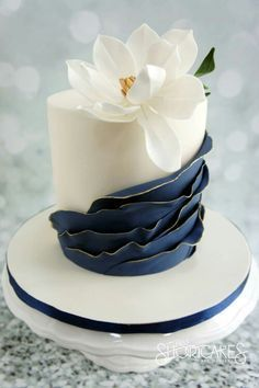 30 Ideas For Amazing Wedding Cakes ❤ See more: www.weddingforwar… 30 Ideas For Amazing Wedding Cakes ❤ See more: www. Mini Wedding Cakes, Amazing Wedding Cakes, Amazing Cakes, Wedding Cupcakes, Navy Wedding Cakes, Wedding Sweets, Gorgeous Cakes, Pretty Cakes, Cute Cakes