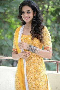 Rakul Preet Singh Latest Pics in Punjabi Suit Beautiful Girl Indian, Most Beautiful Indian Actress, Beautiful Girl Image, Gorgeous Women, Beautiful Bollywood Actress, Beautiful Actresses, Girl Fashion Style, Women's Fashion, Bollywood Girls