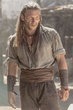 Black Sails - Captain Charles Vane (Zach McGowan), story inspiration