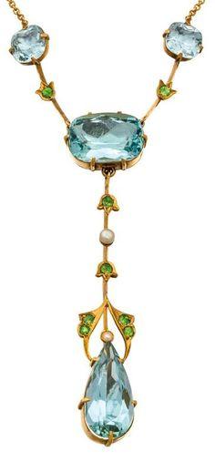 An Art Nouveau gold, aquamarine, demantoid garnet and pearl necklace, Duggin… Bijoux Art Nouveau, Art Nouveau Jewelry, Jewelry Art, Antique Jewelry, Vintage Jewelry, Jewelry Accessories, Fine Jewelry, Jewelry Necklaces, Jewelry Design