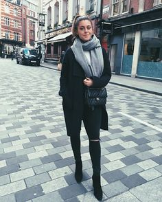 Tb to London ❤️ Teen Girl Outfits, Cool Outfits, Winter Outfits, Ootd Fashion, Fashion Outfits, Womens Fashion, Easy Clothing, Swedish Fashion, Edgy Style
