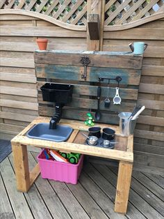 Mud kitchen = Done! - The Best Outdoor Play Area Ideas Outdoor Play Kitchen, Diy Mud Kitchen, Mud Kitchen For Kids, Kids Outdoor Play, Outdoor Play Areas, Kids Play Area, Backyard For Kids, Garden Kids, Outdoor Games