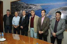 LOBBOSCO DESTACO LA POSITIVA JORNADA PORTUARIA REALIZADA EN PUERTO QUEQUEN    La provincia de Buenos Aires volvió a formar parte del Consejo Portuario Argentino El subsecretario de Actividades Portuarias de la provincia de Buenos Aires Lic. Marcelo Lobbosco participó hoy del X Coloquio del Consejo Portuario Argentino que reunió a referentes de los puertos de todo el país en la sede del Consorcio de Gestión del Puerto Quequén que preside el Dr. Arturo Rojas. También asistieron el…
