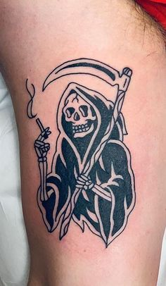 110 Unique Grim Reaper Tattoos You'll Need to See - Tattoo Me Now Tattoo Tod, Goth Tattoo, See Tattoo, Dark Tattoo, Dope Tattoos, Spooky Tattoos, Black Tattoos, Tattoos For Guys, Gangsta Tattoos