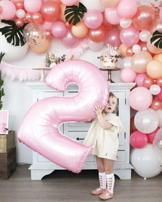 Recreate this palm springs birthday party when you shop our LENZO marketplace, where we make party planning for your child's next birthday party, a palm tree breeze.