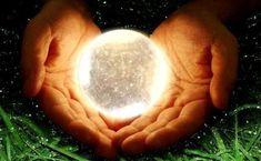 Добиваться целей можно разными путями. Кто-то использует хорошо продуманные планы, кто-то непрерывно получает знания, кто-то работает по 14 часов в сутки, а кто-то достигает всего легко, с удовольствием и без усилий. Со стороны кажется, что без магии и вселенского везения не обходится. Есть волшебные штуки, на грани разума и чуда, которые помогают запустить этот механизм вселенской удачи. Попробуйте, чудеса случаются!