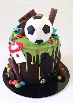 Football drip cake :) Ball, t-shirt