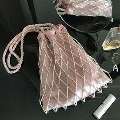 20 отметок «Нравится», 0 комментариев — 𝕕𝕖𝕤𝕚𝕘𝕟𝕖𝕣 / 𝕥𝕒𝕚𝕝𝕠𝕣 / 𝕤𝕥𝕪𝕝𝕚𝕤𝕥 (@rever.brend) в Instagram: «Perfect evening bag 🙌🏻 for supper stylish girls💎 ⠀ Comfortable Beautiful Modern ⠀ ⭐️ for order…»