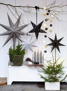 Do you want to keep your Christmas decorations nice, trendy and minimal? How about try something new this holiday season? You may want to try Scandinavian Christmas decorating. Scandinavian, also known as Nordic style, is a trendy and modern decorating ma Noel Christmas, Winter Christmas, All Things Christmas, Christmas Crafts, Vintage Christmas, Rustic Christmas, Simple Christmas, Christmas Music, Christmas Paper