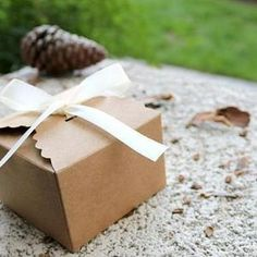 Kraft Brown Scallop Edge Gift Favor Boxes with x 3 x 2 inch-brown gift boxes,gift box with ribbon,wedding favor boxes,die cut boxes Large Gift Boxes, Wine Gift Boxes, Kraft Gift Boxes, Wine Gifts, Cardboard Boxes With Lids, Die Cut Boxes, Browns Gifts, Paper Gift Box, Wedding Favor Boxes
