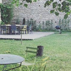 Duplex's terrace#lamaisondubastion#burgundylover#beaune#holidayrental#winelover