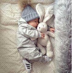 Sweet dreams, bunnies! Сладких снов желает вам @womanslook Photo @marie.jaskari #womanslook