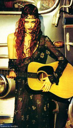 Shalom Harlow, Vogue 1993