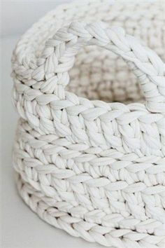 white crochet basket | Méchant Design