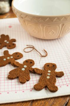 Felted Gingerbread Ornaments Pattern  church mouse patterns