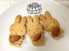 Miffy almond biscuits Biscotti Cookies, Cute Cookies, Animal Shaped Foods, Macarons, Pineapple Tart, Cute Cafe, Bento Recipes, Miffy, Cute Desserts