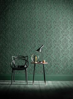 PL: te druk Lincrusta- I like it with the more modern/design-y stuff, less with the gilded Rococo/Art Nouveau stuff Anaglypta Wallpaper, Green Wallpaper, Victorian Design, Victorian Homes, Victorian Wallpaper, Interior Walls, Wall Treatments, Modern Interior Design, Interior Inspiration